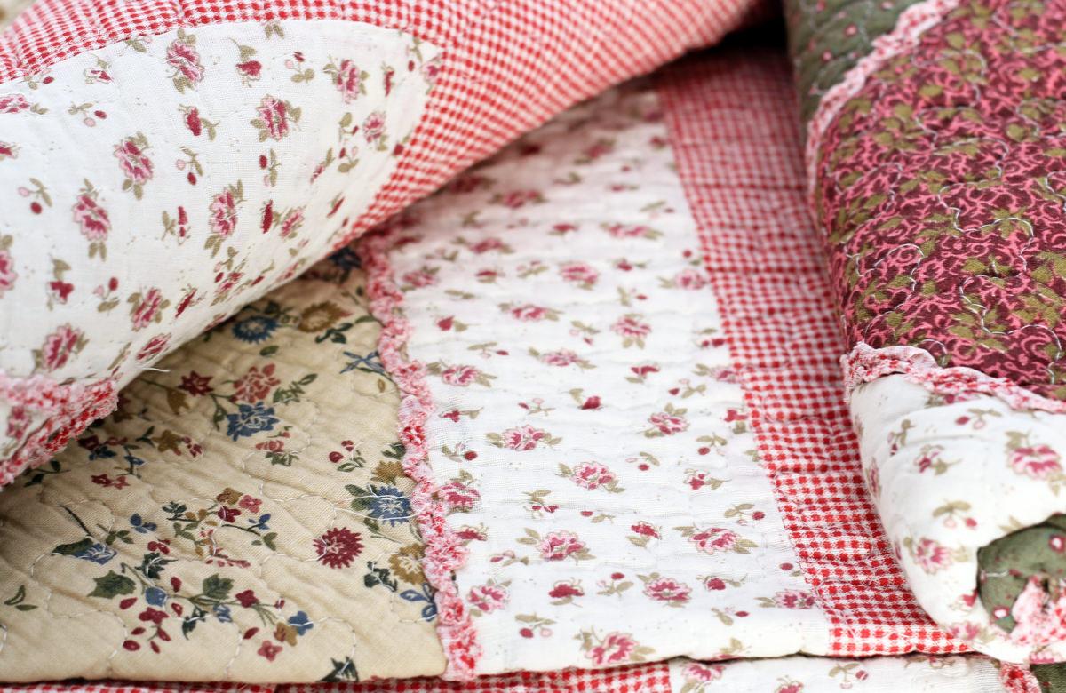 quilt a 230x250cm mit rosen plaid tagesdecke patchwork. Black Bedroom Furniture Sets. Home Design Ideas