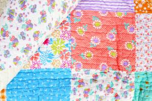 Quilt LILLY 230x250cm Blümchen Plaid Tagesdecke Patchwork Decke